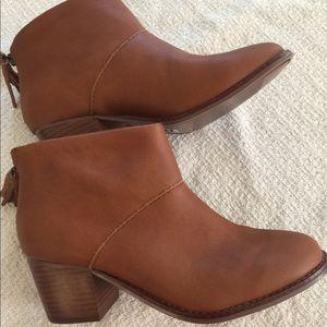 New Brown Leather Toms Booties Sz 6.5 Fringe Zip